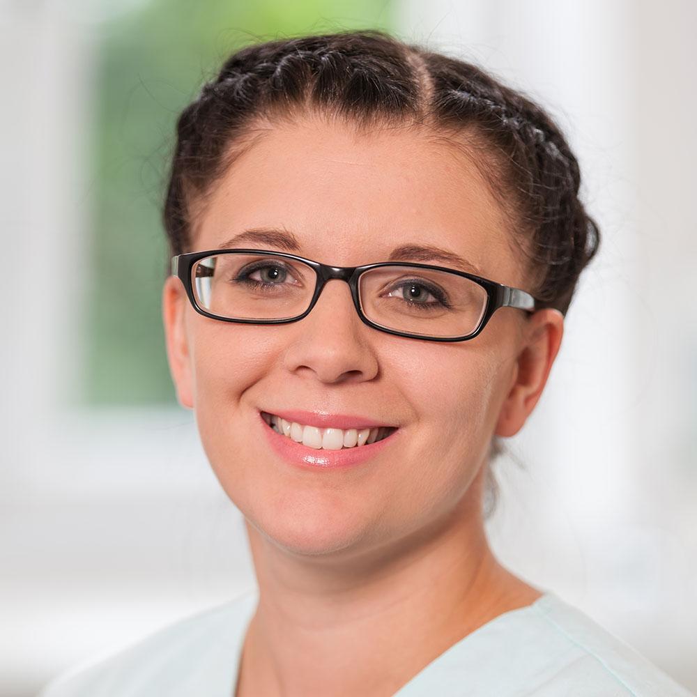 Jennifer Schweizer | Zahnarzt Wolfenbüttel